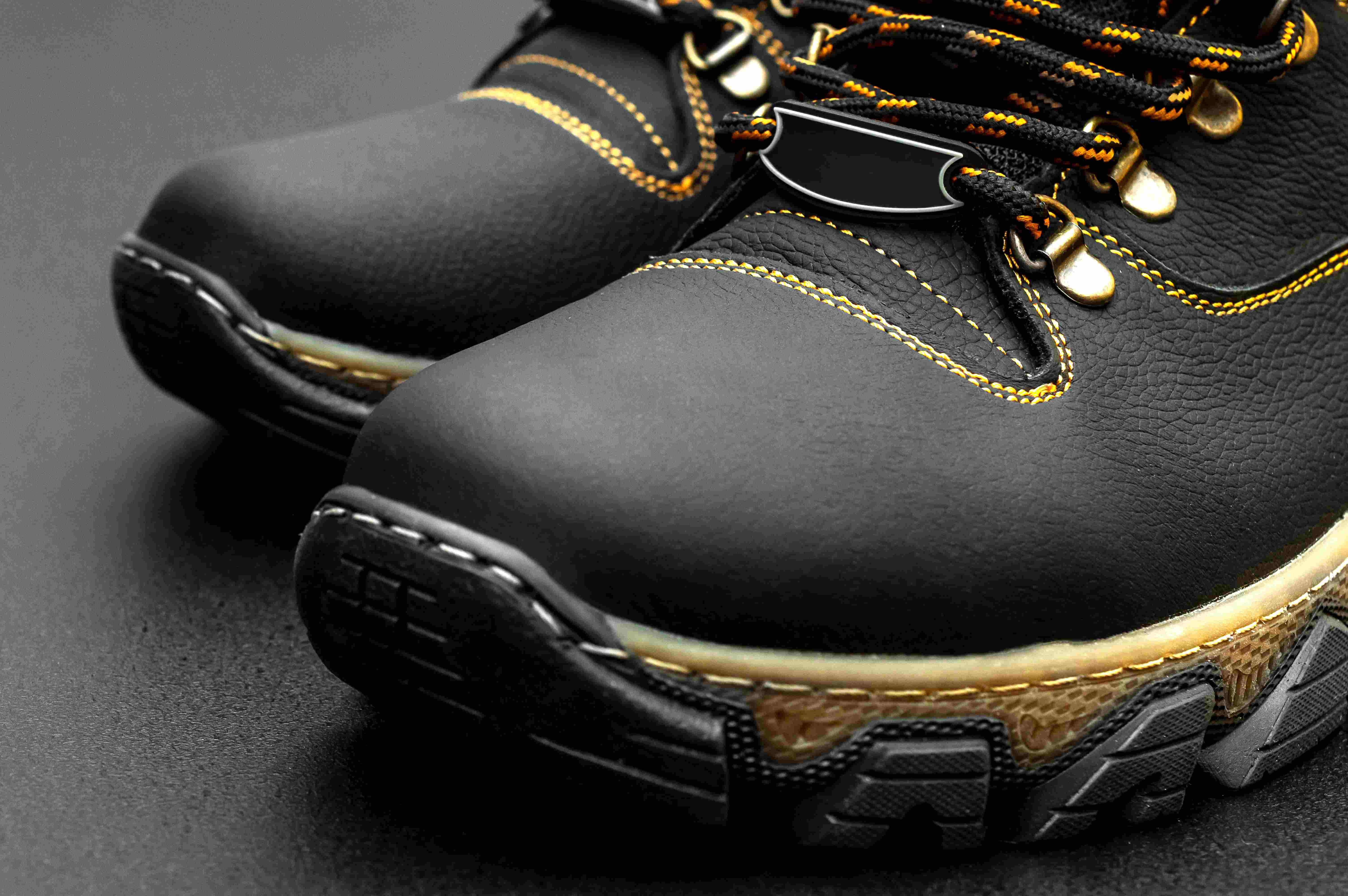 store scarpe antinfortunistiche